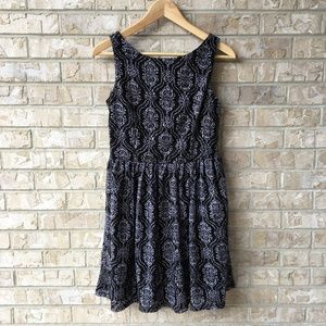 Xhilaration Black & White Crochet Lacey Dress Sz M